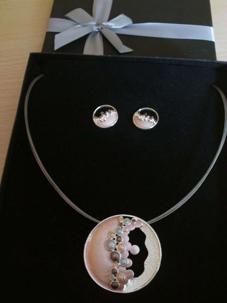 Ecrin parure neuve collier et boucles N°849 10 Bragny-sur-Saône (71)