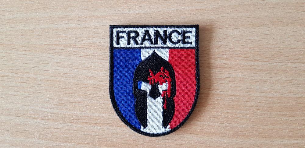 Ecusson brodé drapeau  français  spartiate spartan 7 Carnon Plage (34)
