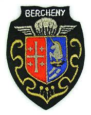 Ecusson Militaire 1er R.Parachutistes de BERCHENY. 3 Mèze (34)