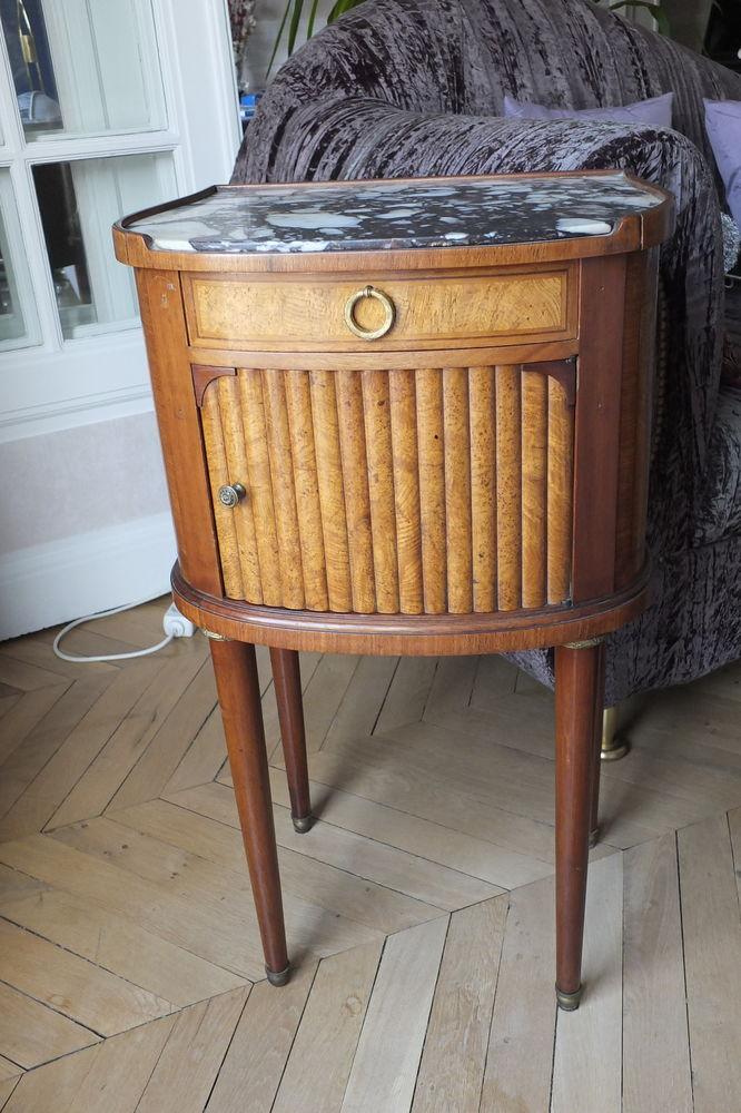 Élégant meuble de chevet Louis XVI 240 Paris 17 (75)