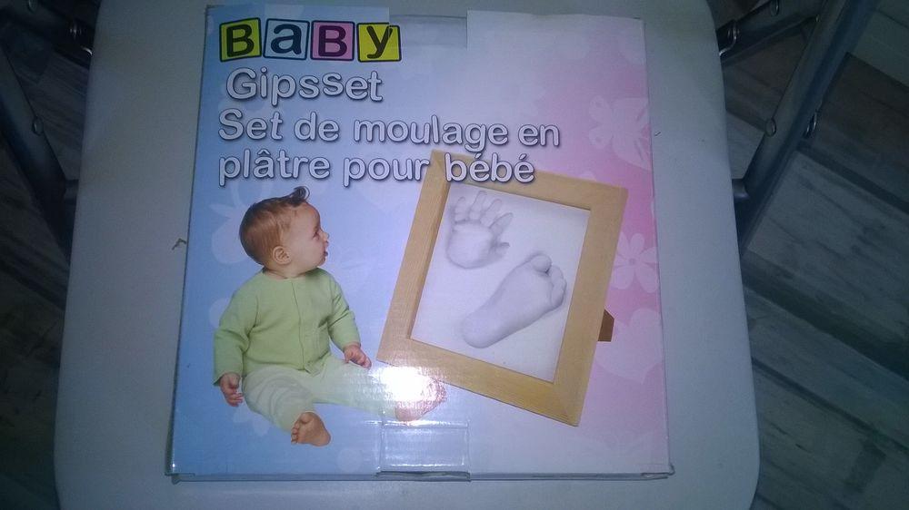 Kit Empreinte Bébé avec Cadre  NEUF sous emballage 15 Talange (57)