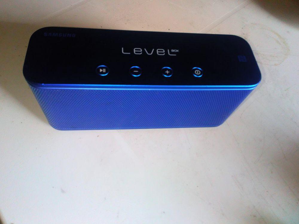 Enceinte bluetooth Samsung Level box 25 St Aaron (22)