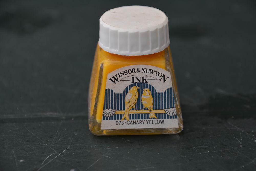 encre jaune winsor & newton 5 Nieuil-l'Espoir (86)