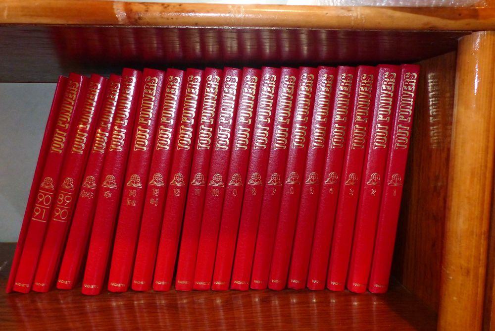 Encyclopédie 'Tout l'Univers'  20 Caveirac (30)
