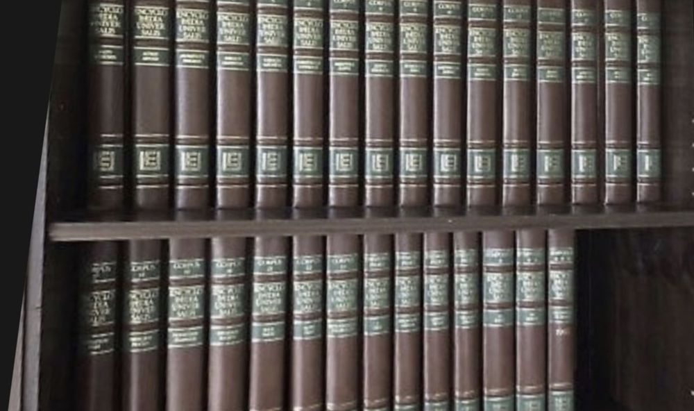 Encyclopédie UNIVERSALIS et Littré de luxe (feuille d'or) 80 Ivry-sur-Seine (94)