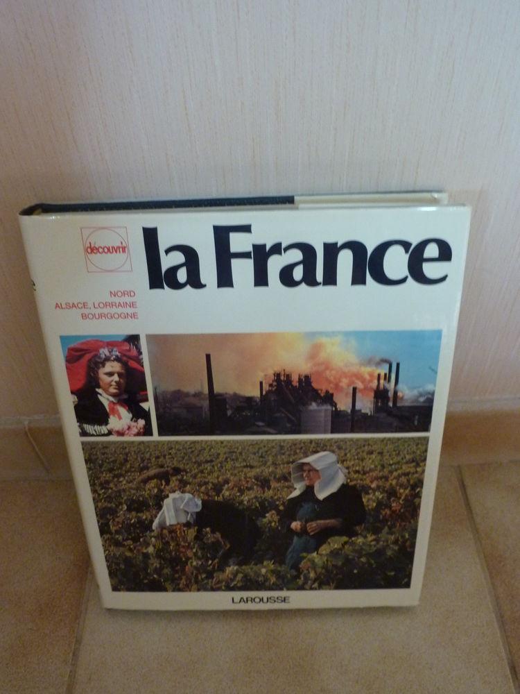 Encyclopedies Larousse 10 Corbeil-Essonnes (91)