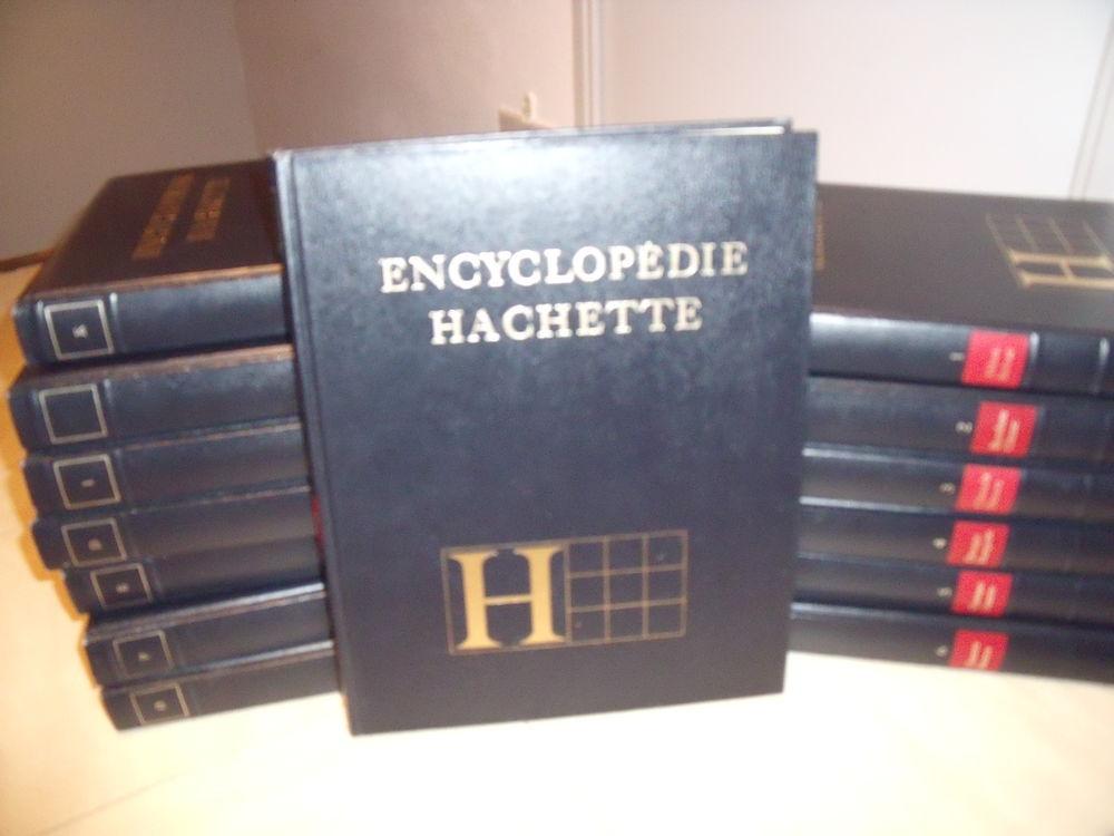 Encyclopédiques Hachette  tel 0611346647 15 Istres (13)