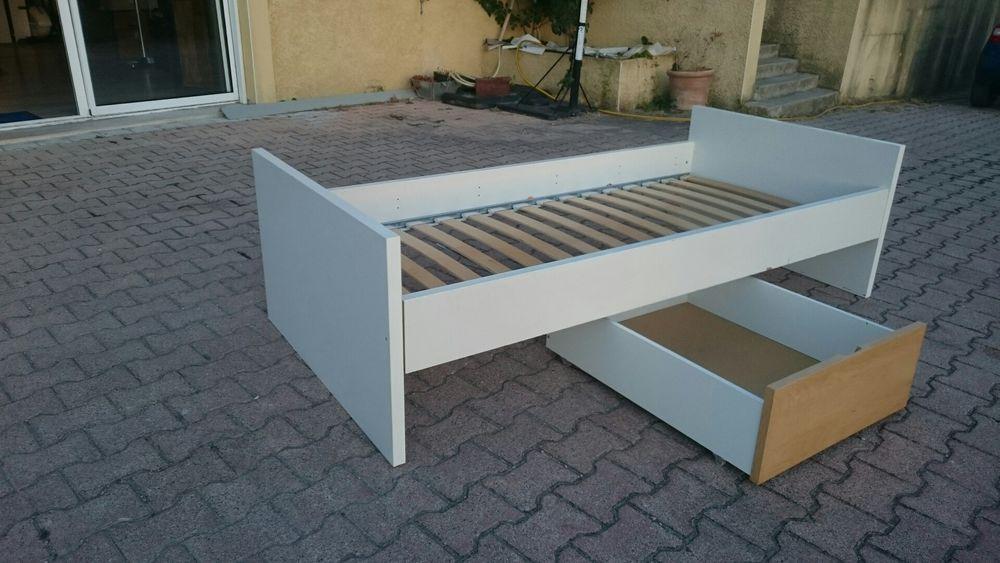 lit enfant blanc avec tiroirs 40 Roussillon (38)