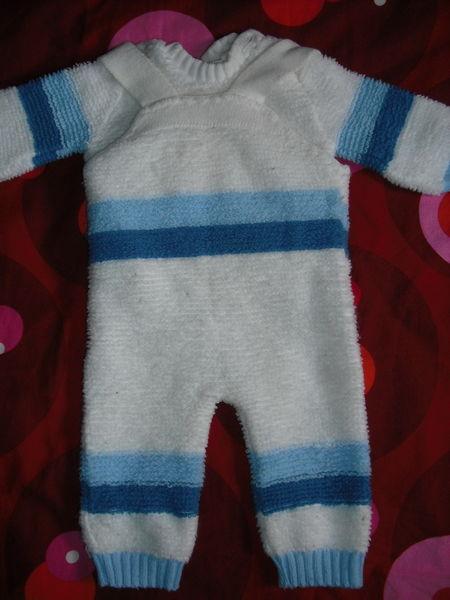 ensemble bébé pantalon + pull 3 euros 3 Cramont (80)