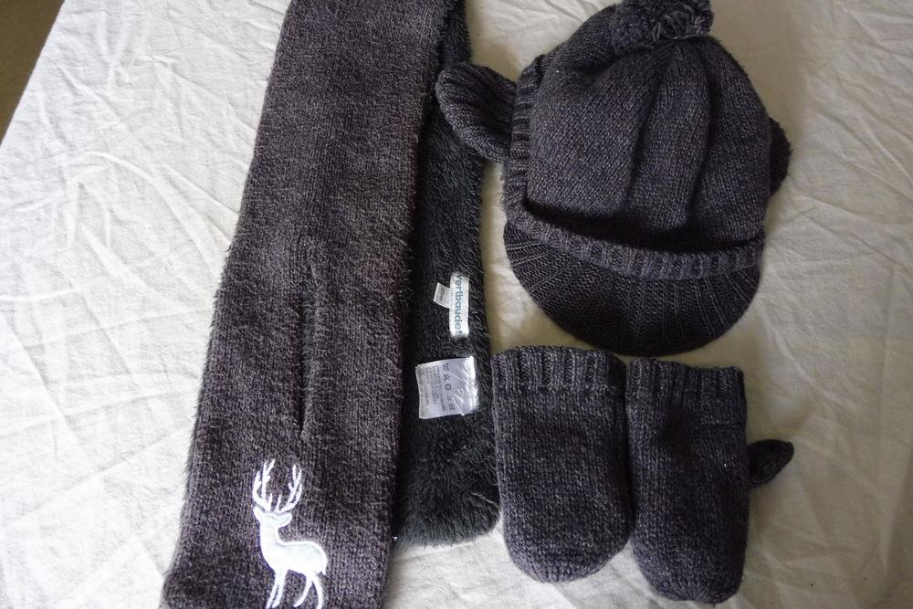 Ensemble bonnet casquette, moufles, écharpe en 12/18 mois  9 Amiens (80)