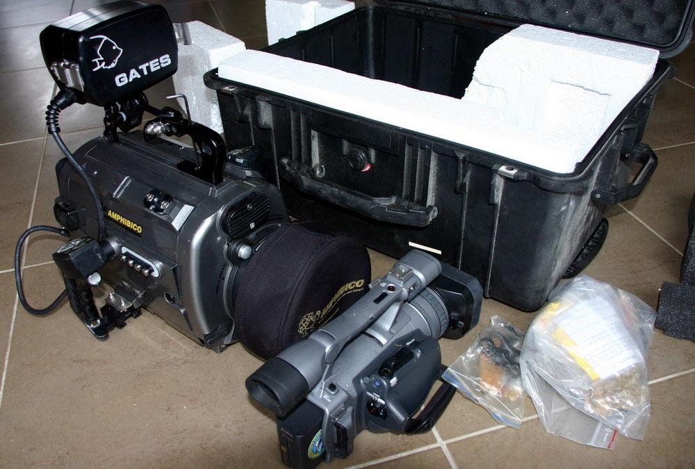 Ensemble Caméra SONY HDR-FX7 + caisson AMPHIBICO + 2 phares 2900 Tours (37)