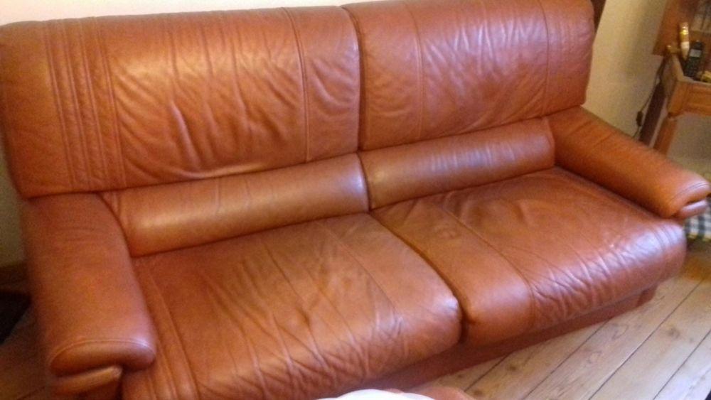 ensemble canapé avec deux fauteuils 350 Nantes (44)
