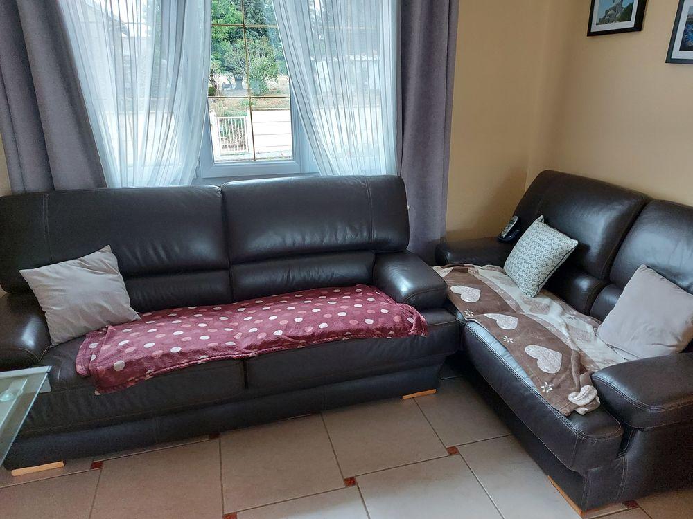 Ensemble canapé deux et trois places en cuir marron 400 Amigny-Rouy (02)