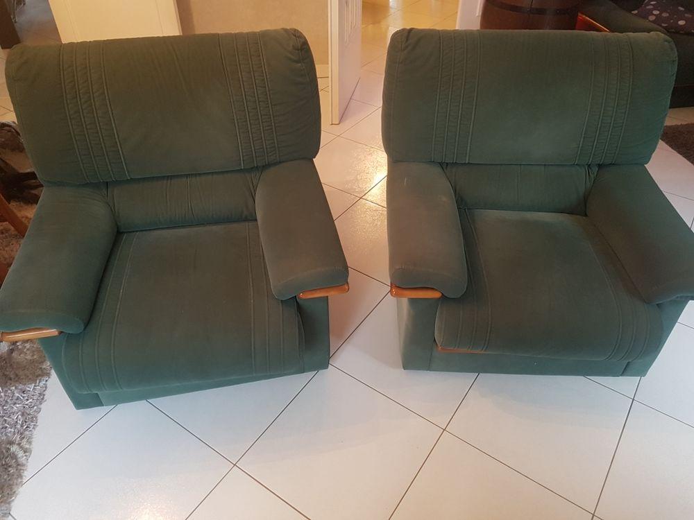ensemble canapé fauteuil  en alcantara vert 250 Reims (51)