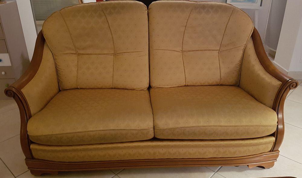 Ensemble canapé fauteuil pouf 120 Basse-Goulaine (44)