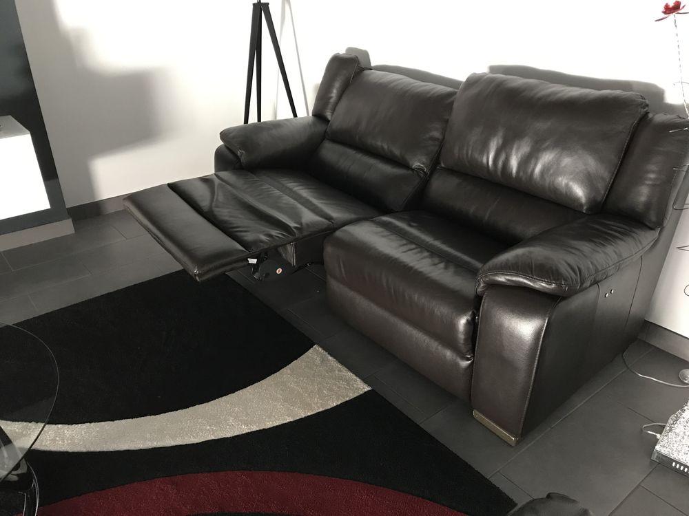 ensemble 2 canapés + 1 fauteuil cuir relax électriques 1800 Marcillac-Vallon (12)