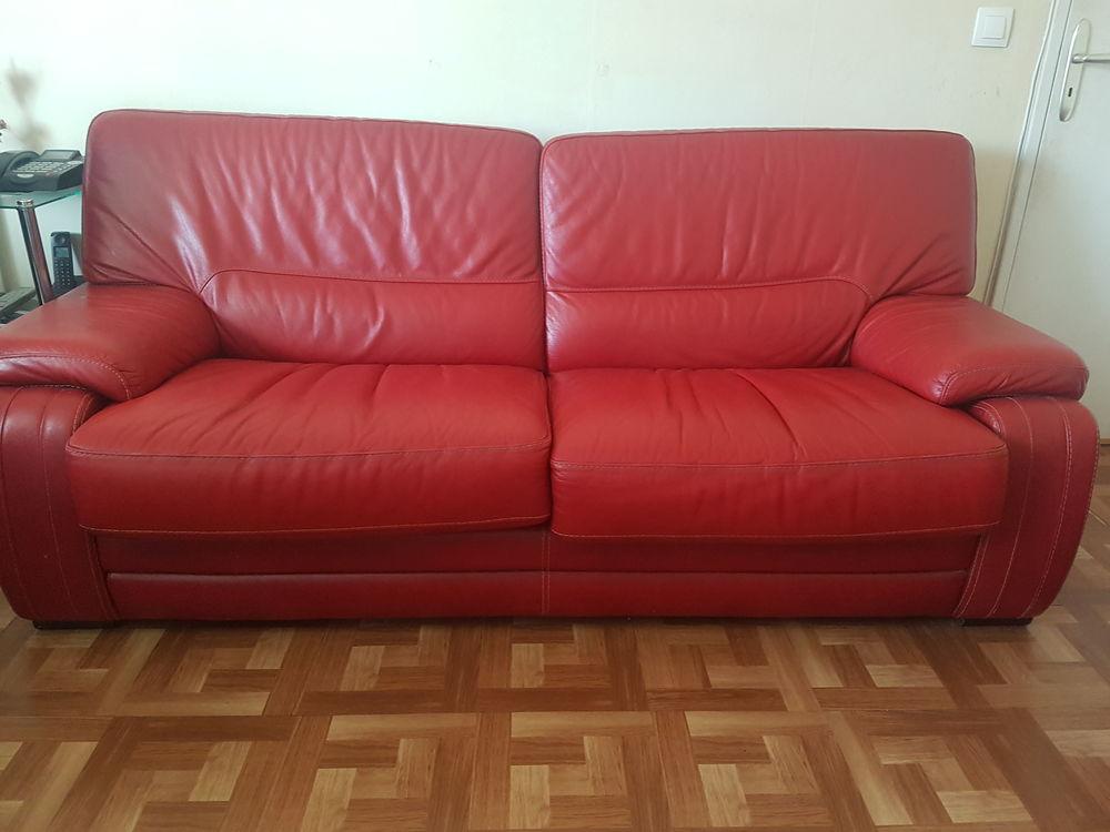 Ensemble 2 canapés en véritable cuir rouge 2500 Roissy-en-Brie (77)