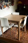 Ensemble composé de table et 4 chaises design (ARMET) 150 Le Kremlin-Bicêtre (94)