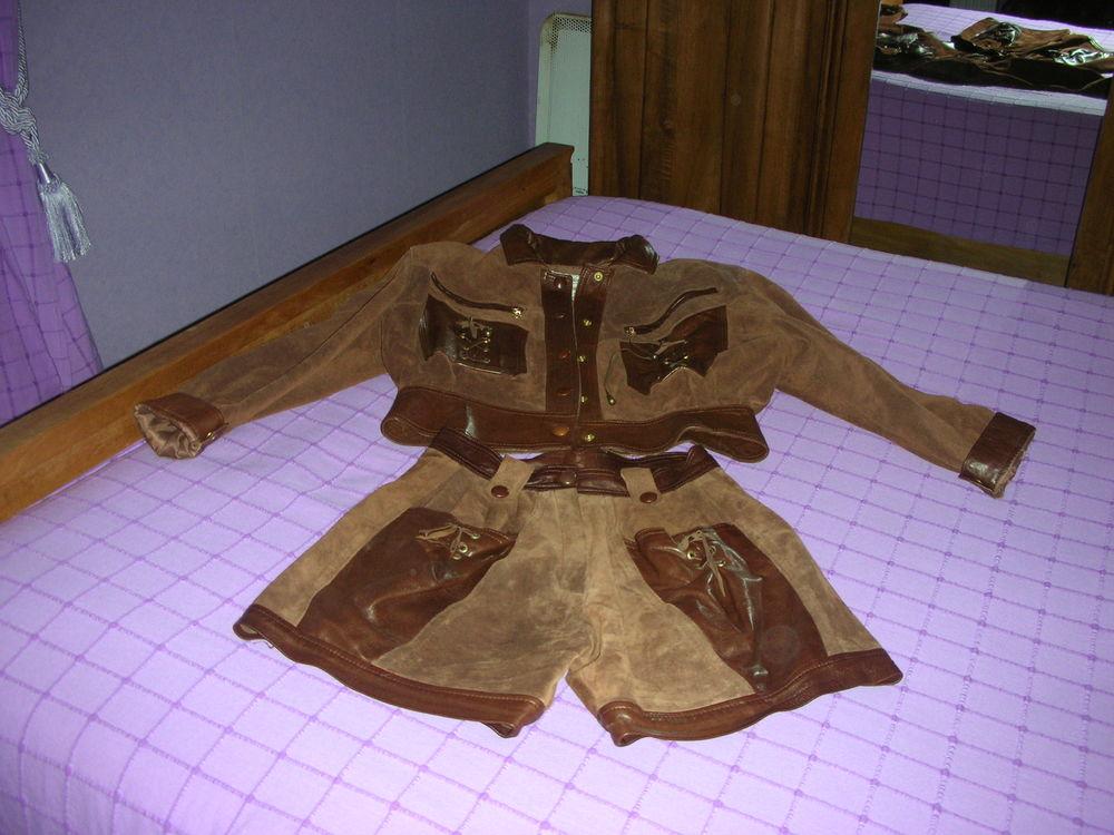 ensemble cuir et daim 25 Bondoufle (91)