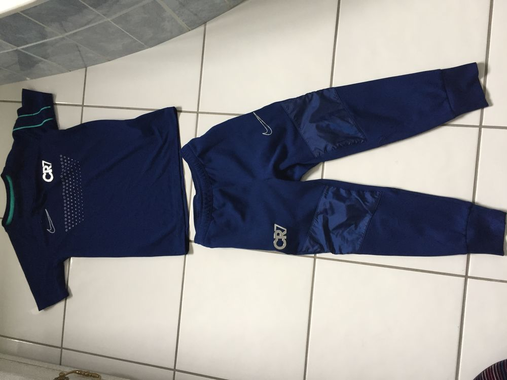 ensemble jogging marque Nike CR7 neuf taille XS 8 ans 122/12 70 Thionville (57)