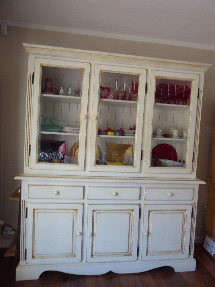 ensemble meubles en pin créme cérusé se compose d un Buffet bas vaisselle haut vitrine   meuble TV 550 Toulon (83)