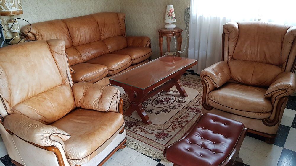 Ensemble  salon cuir : canapé fixe 3P, 2 fauteuils et table  150 Carpentras (84)