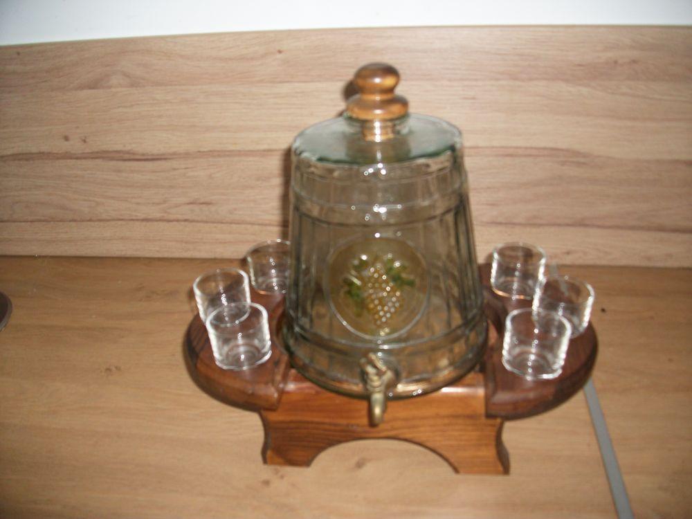 ensemble service à whisky (( carafe et 06 verres sur socle ) 35 Vernon (27)