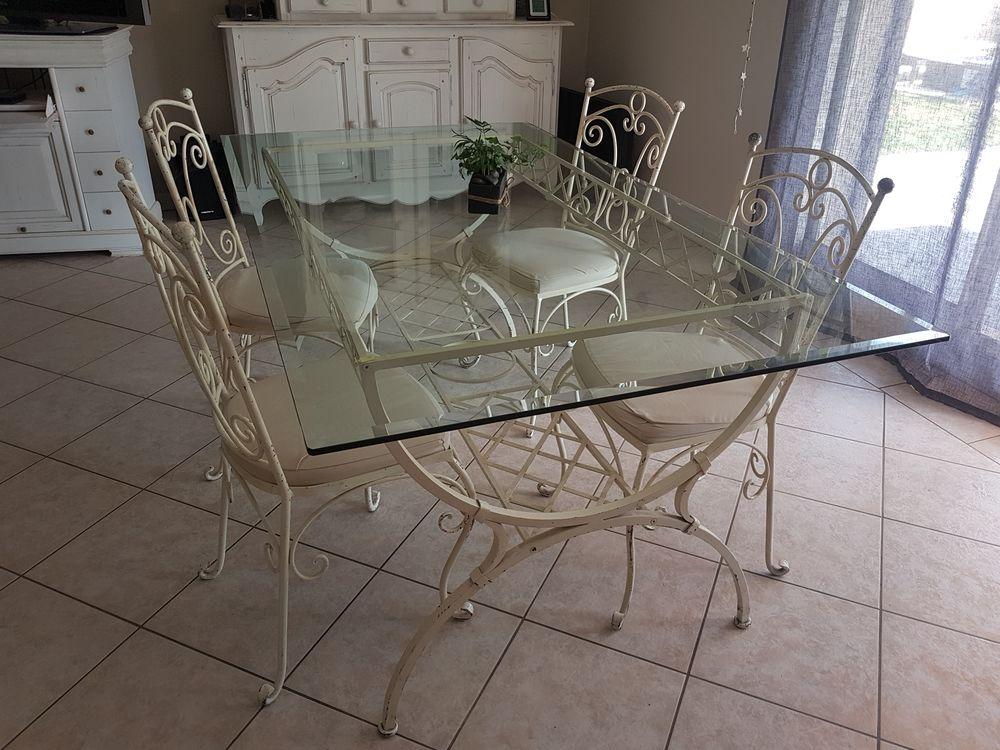 Ensemble table et chaises fer forgé  200 Rognac (13)