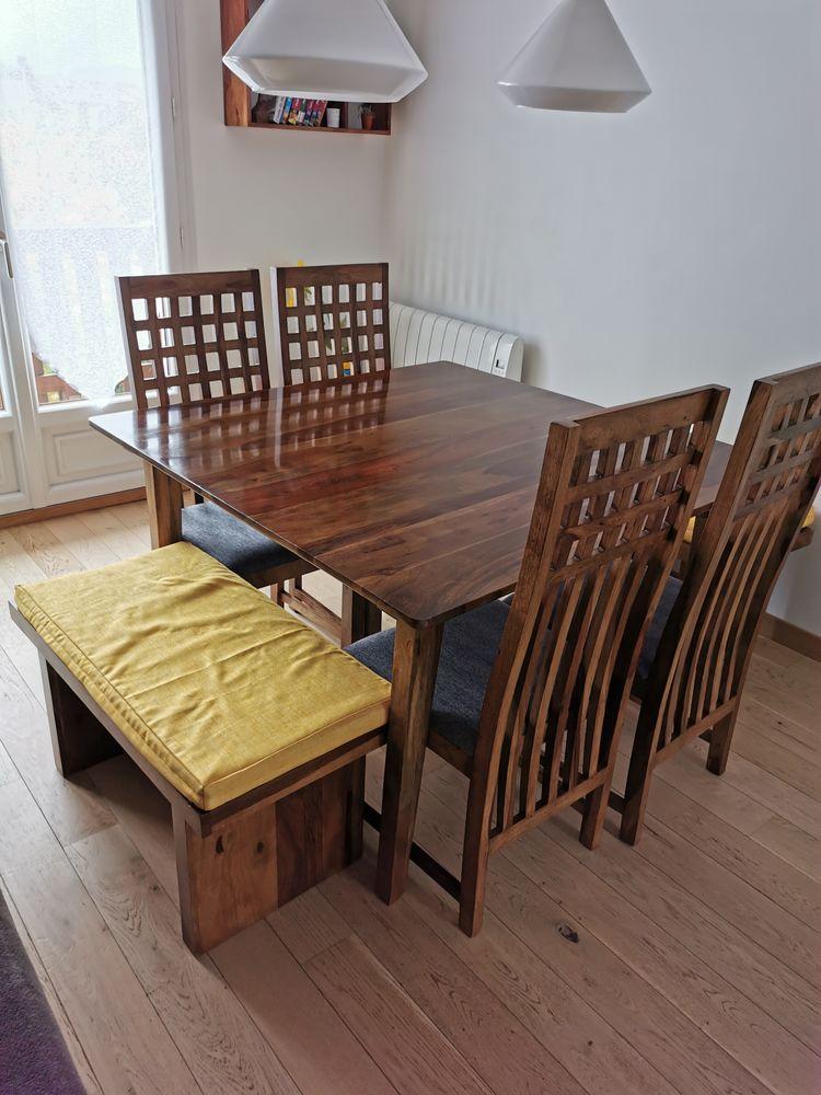 Ensemble table à manger et chaises  450 La Balme-de-Sillingy (74)