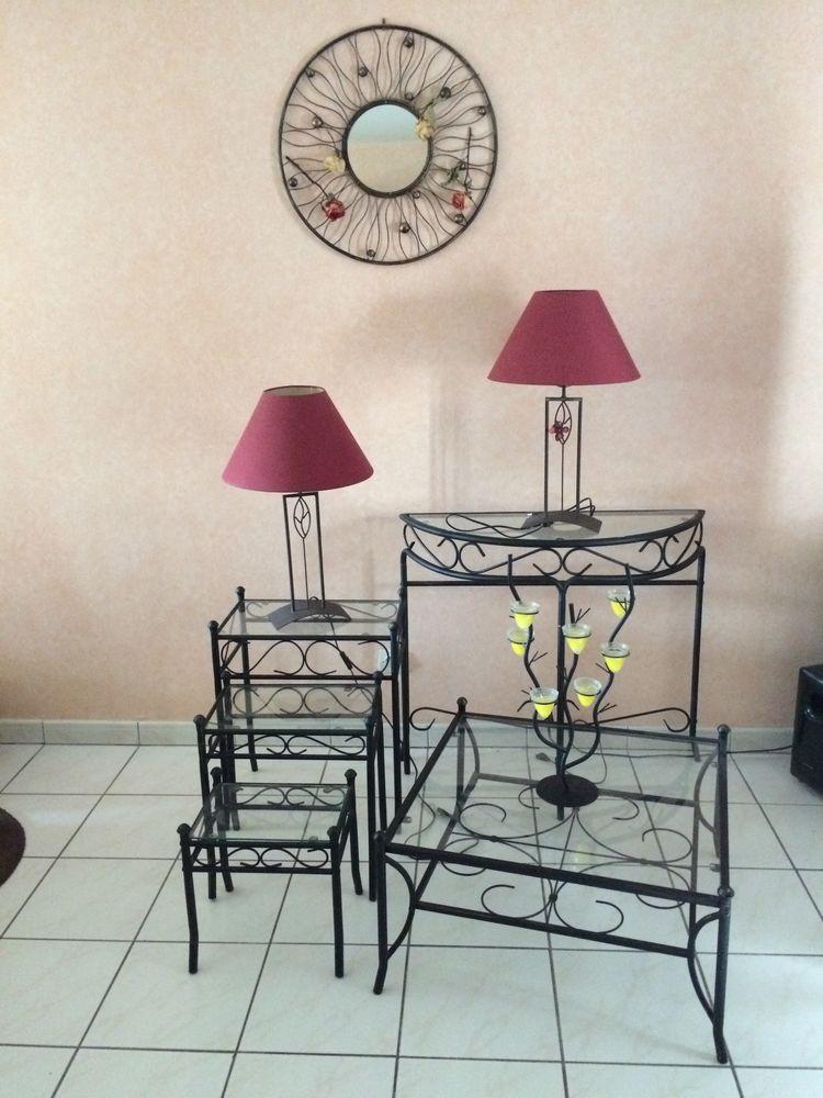 ensemble table/miroir/lampe salon Meubles