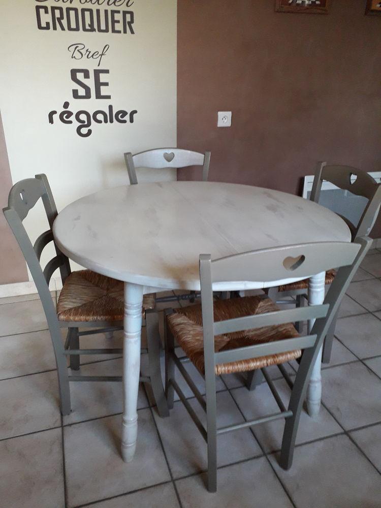 Ensemble table à rallonge et 4 chaises paysannes 80 Saint-Ouën-des-Toits (53)