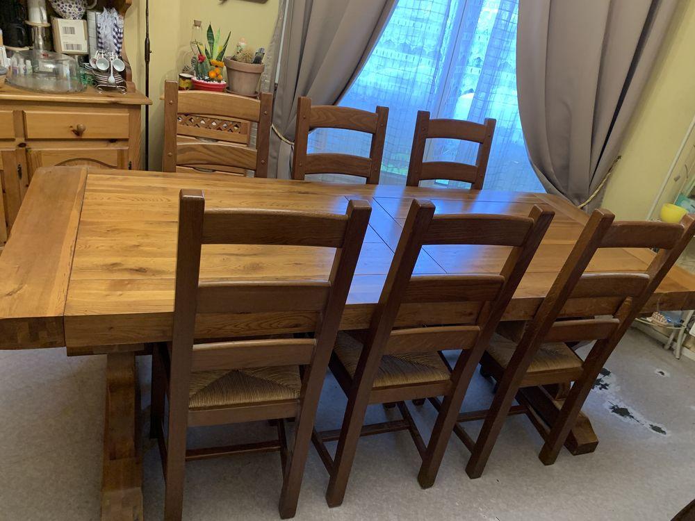 Ensemble table de salle à manger et ses six chaises en chêne 1100 Orleans (45)
