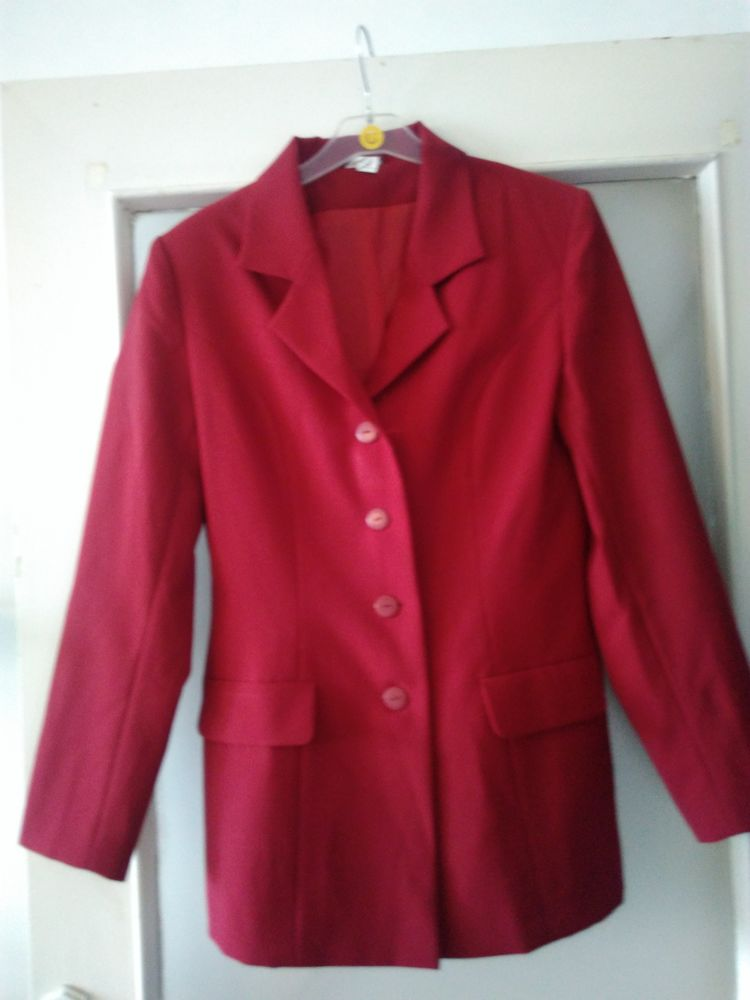 Ensemble tailleur jupe courte 20 Nantes (44)