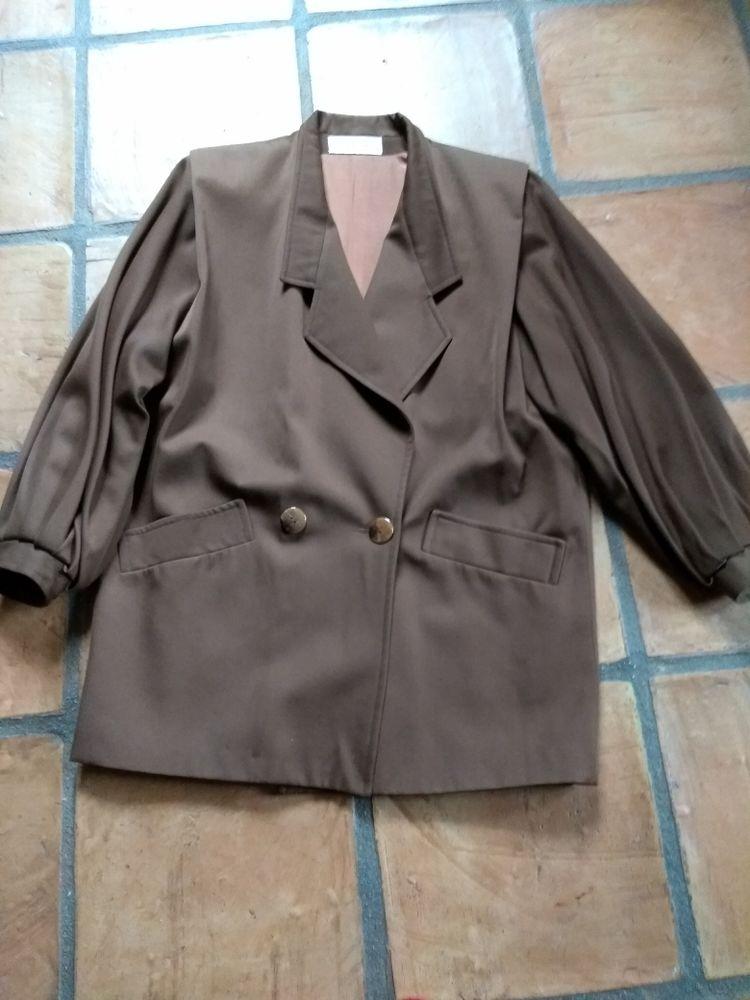 ensemble veste jupe 40 Aurec-sur-Loire (43)