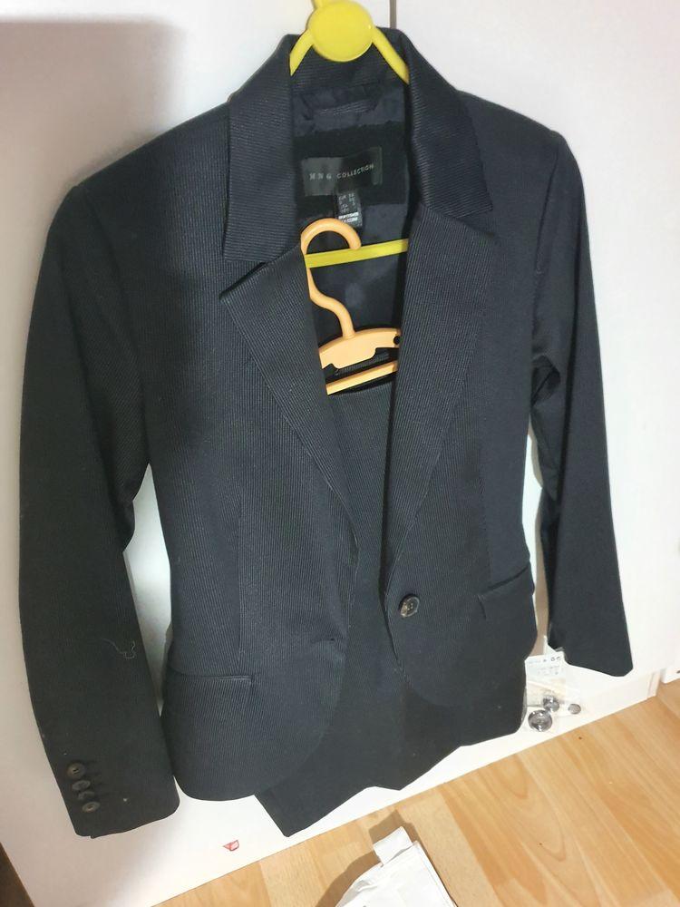 ensemble veste et jupe bleu marine fine rayure neuf 25 Toulon (83)
