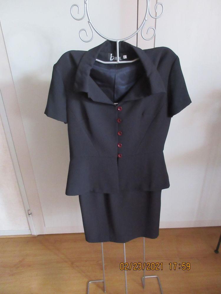 Ensemble veste et jupe droite 30 Carnoux-en-Provence (13)
