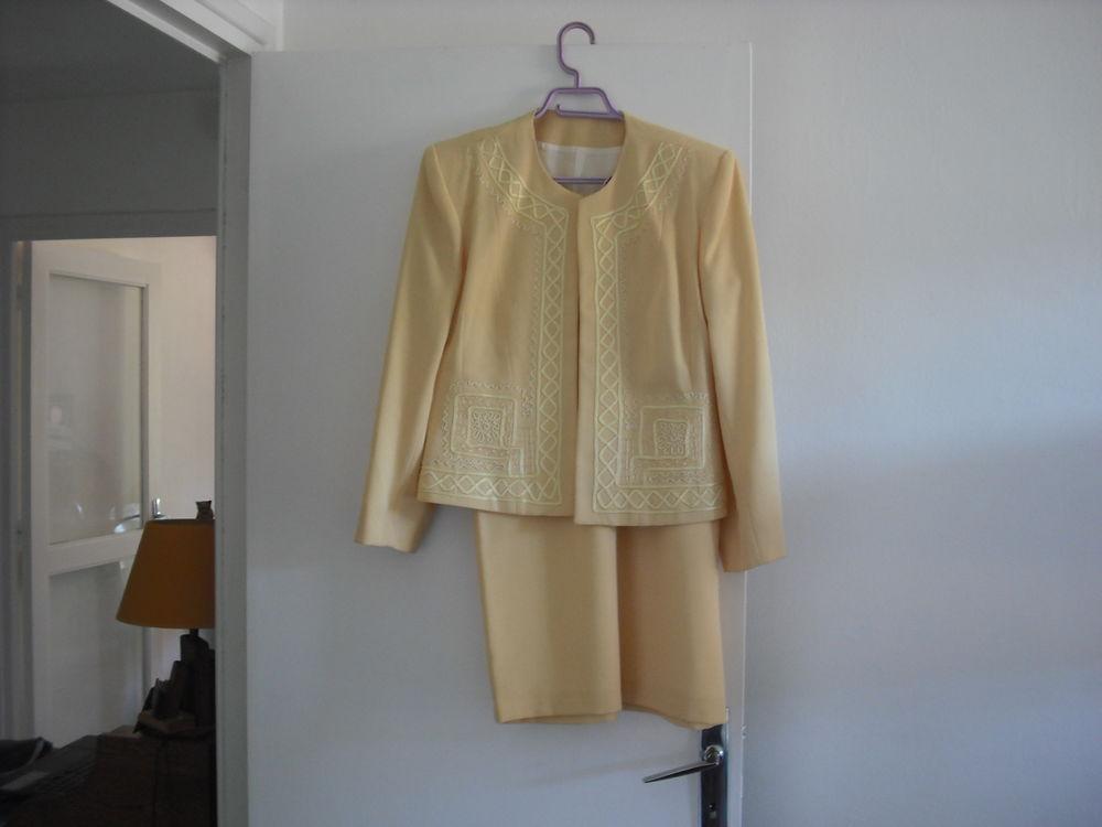 ensemble veste et jupe 40 La Côte-Saint-André (38)