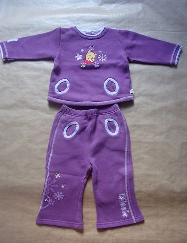 Ensemble Winnie l'Ourson en taille 24 mois 2 Montaigu-la-Brisette (50)