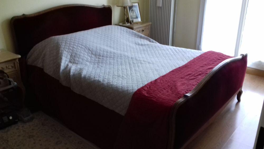 entourage lit. Black Bedroom Furniture Sets. Home Design Ideas