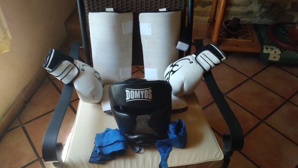 Equipement kick boxing 38 Saumane-de-Vaucluse (84)