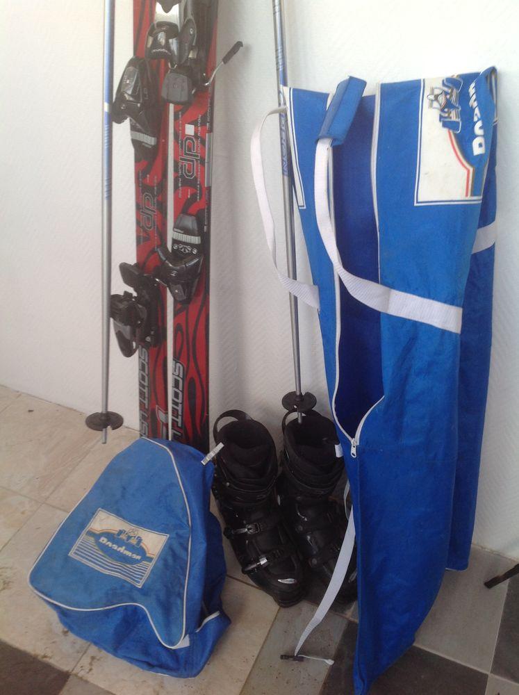 Équipements complet de skis sport d hiver  300 Ambon (56)