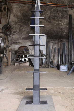 Escalier limon central acier 1100 Villié-Morgon (69)