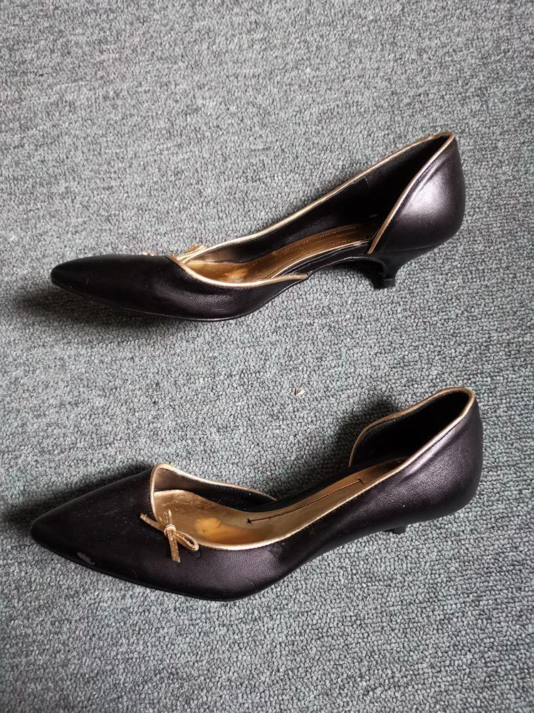 Escarpin noir Zara, taille 36 10 Villemomble (93)