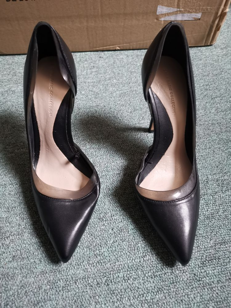 Escarpin noir Zara, taille 36 25 Villemomble (93)