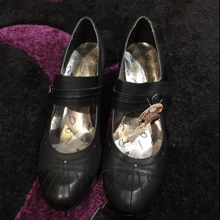 Escarpins neufs taille 40 Chaussures