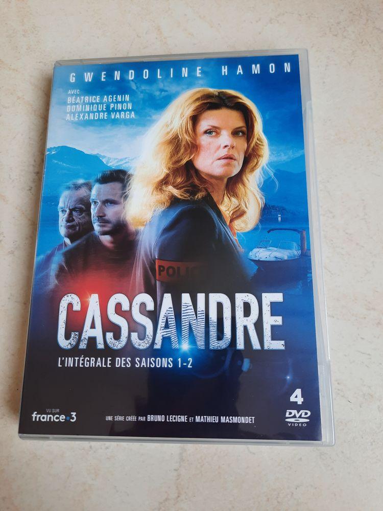Etat neuf, coffret Cassandre saisons 1 et 2,dernier prix 15 Saint-Dizier (52)