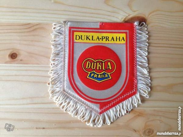 Fanion Football - Dukla Praha (République Tchèque) Sports