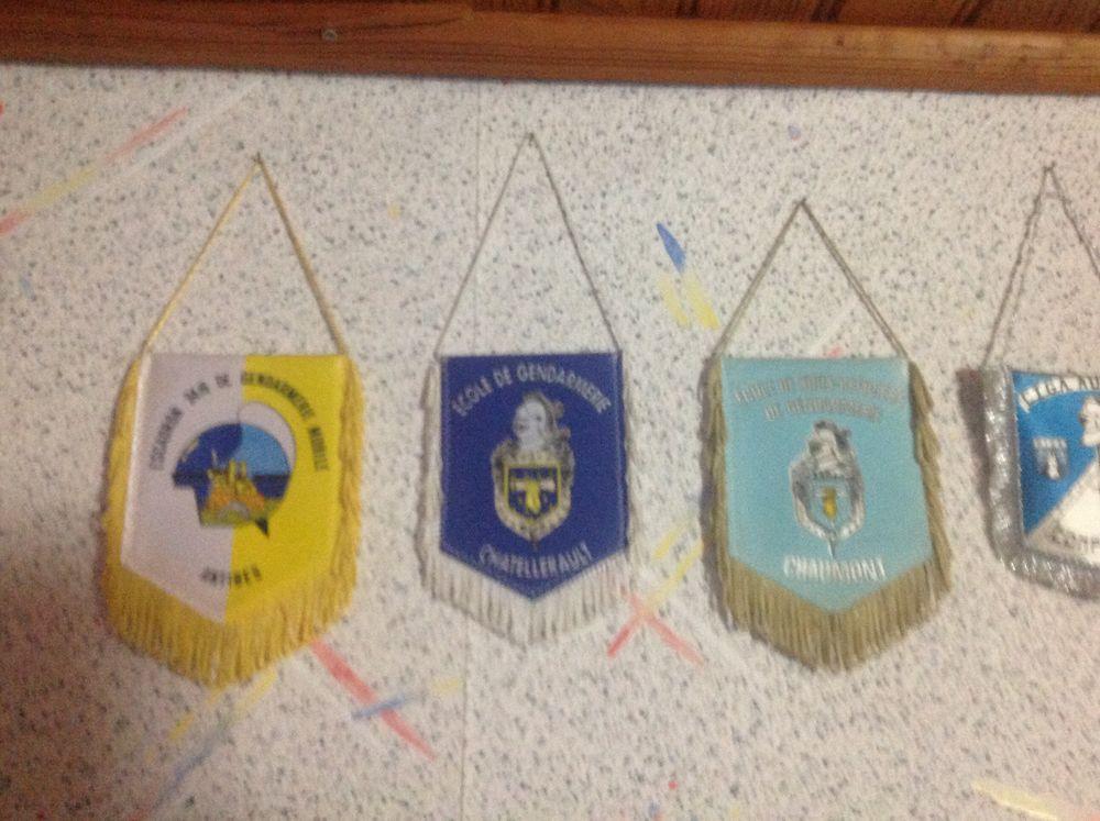Fanions Police/Gendarmerie 15 Verlinghem (59)