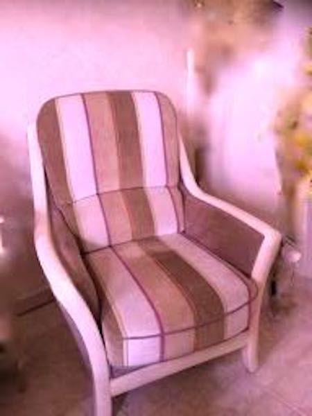 fauteuil ou bergère ,confortable ,état neuf 280 Calais (62)