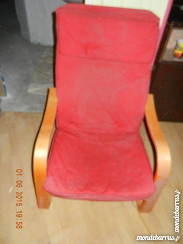 Fauteuil en bois coussin rouge 30 Grenoble (38)